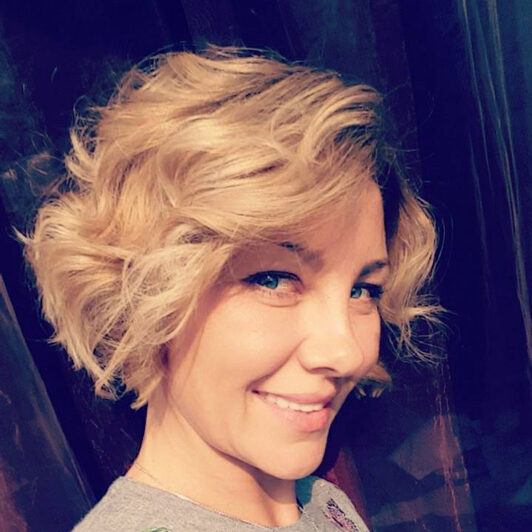 Anna-Nuszczynska-bio